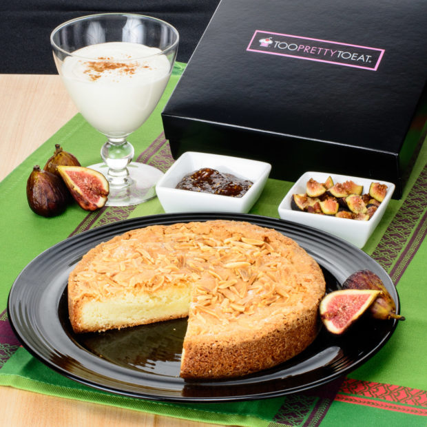 too-pretty-to-eat-almond-cake-6